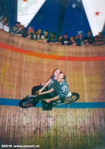 | Fotoalbums | Wall of Death 2003